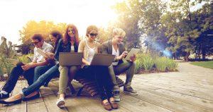 Networking - Kontakte knüpfen und in Verbindung bleiben